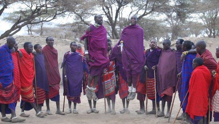 tribu Masais lago natron